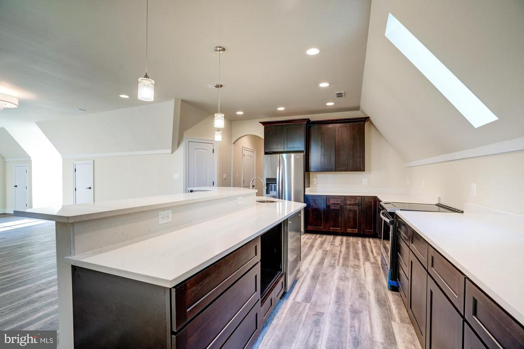 Fully Equipped Kitchen - 40483 GRENATA PRESERVE PL, LEESBURG