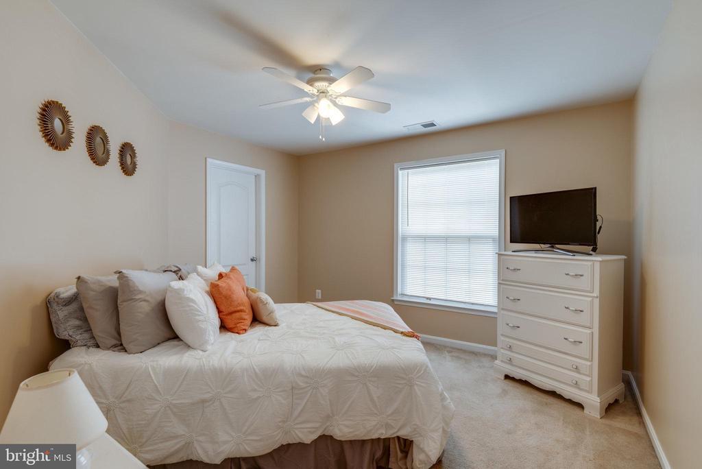 Third Bedroom - 42972 THORNBLADE CIR, BROADLANDS