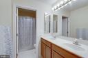 Spacious Upper Level Hall Bathroom - 42972 THORNBLADE CIR, BROADLANDS