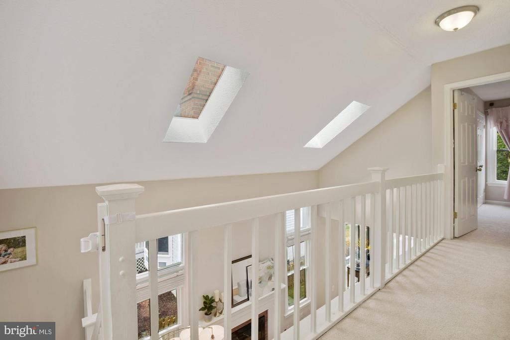 Upstairs Landing - Check Out The Vaulted Ceilings! - 8423 HOLLIS LN, VIENNA