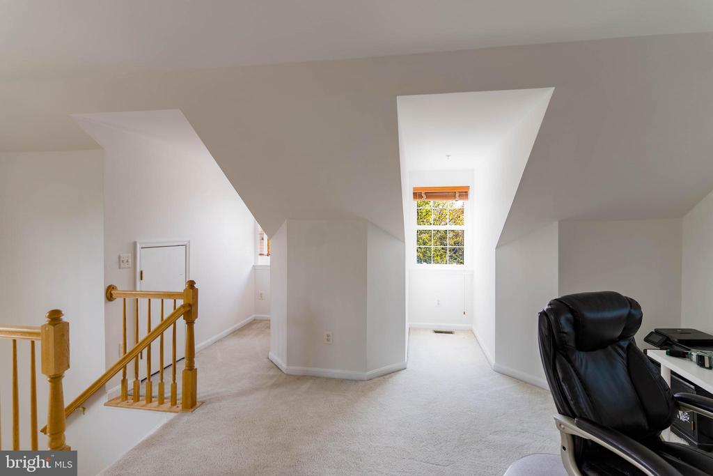 Natural Light from Gable Windows in Loft - 42885 GOLF VIEW DR, CHANTILLY