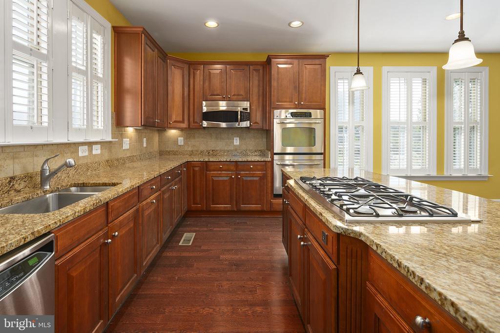 Kitchen - 2615 S KENMORE CT, ARLINGTON