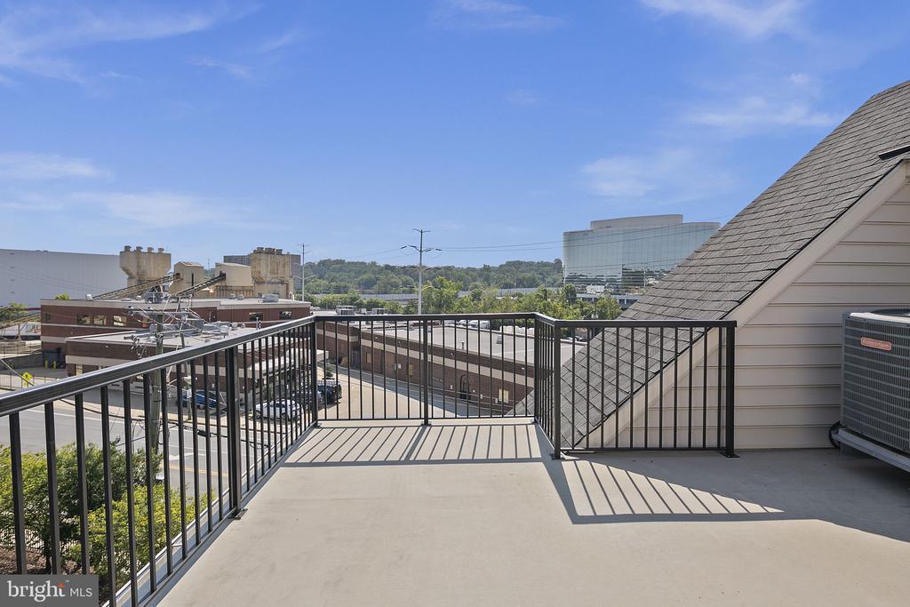 Rooftop terrace - 2615 S KENMORE CT, ARLINGTON