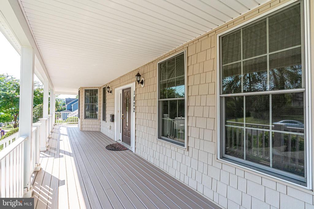 Wonderful wrap-around porch - 1822 ANDERSON RD, FALLS CHURCH
