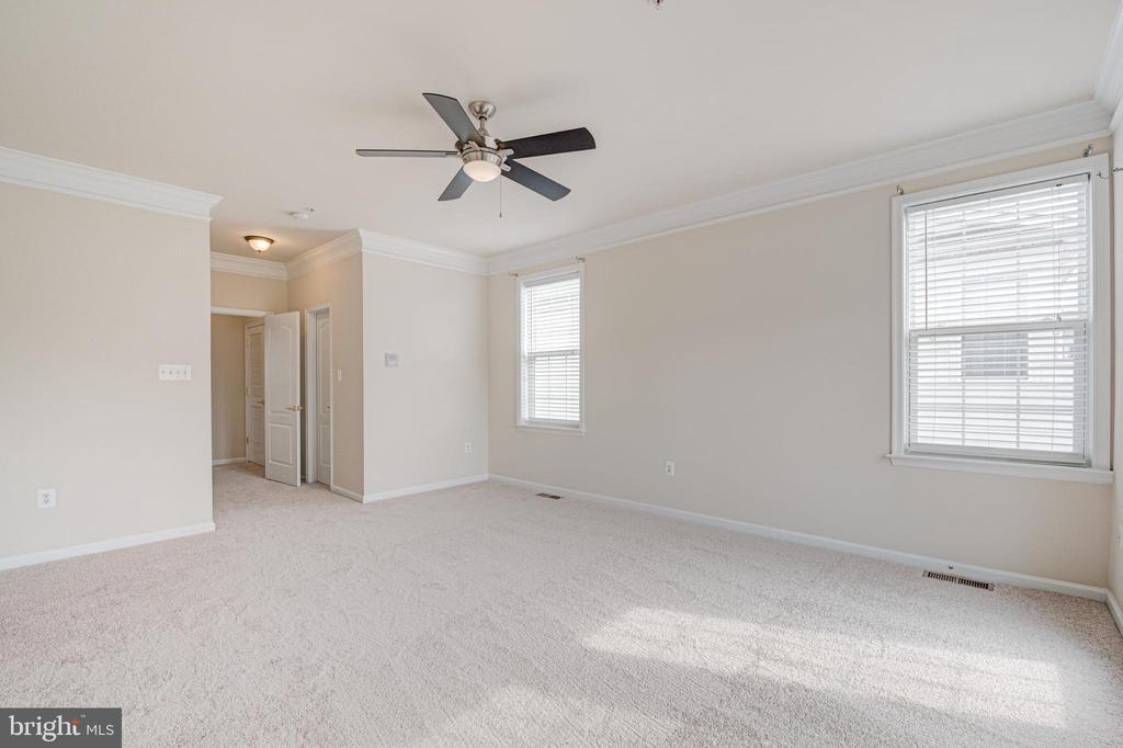 Primary Bedroom picture #1 - 43610 HAMPSHIRE CROSSING SQ #AD-205, LEESBURG