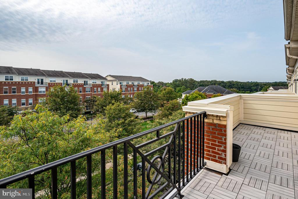 Enjoy your gorgeous view - 43610 HAMPSHIRE CROSSING SQ #AD-205, LEESBURG