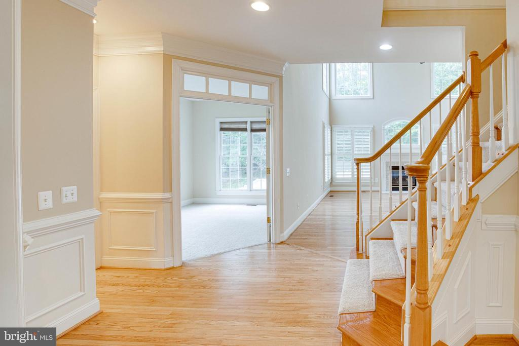 Office with transoms what nice character! - 4525 MOSSER MILL CT, WOODBRIDGE