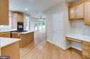 Bright kitchen with brand new Quartz counters! - 4525 MOSSER MILL CT, WOODBRIDGE