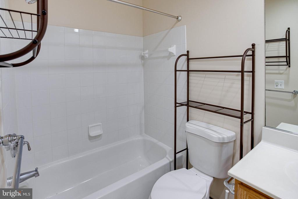 Bath 4 - 4525 MOSSER MILL CT, WOODBRIDGE