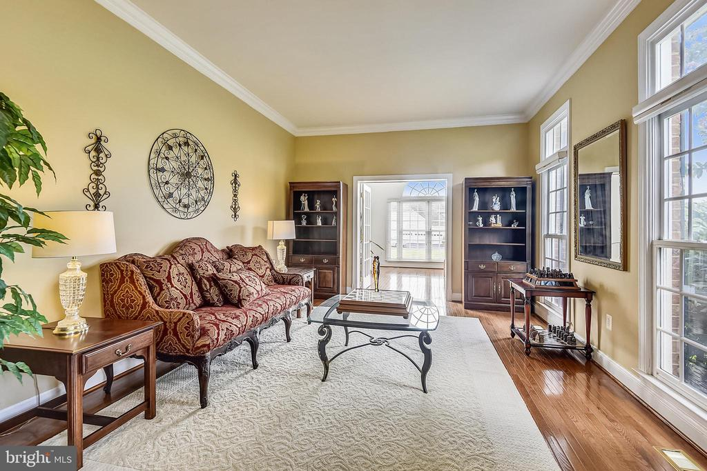 Formal living room - 19186 CHARANDY DR, LEESBURG