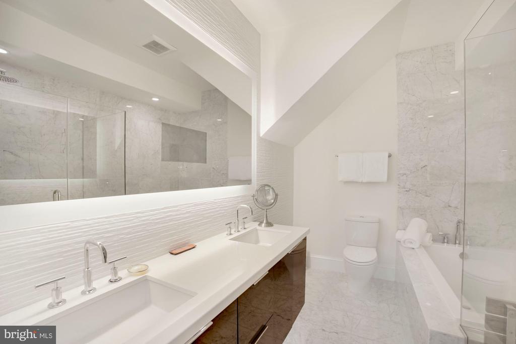 Primary Bath - Dual Sink, 8 inch Spread Faucets - 1918 11TH ST NW #B, WASHINGTON