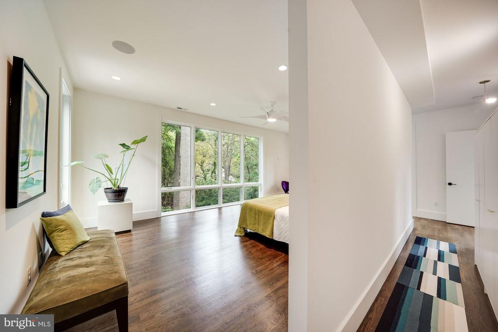Upper Level Suite/Hallway - 6649 VAN WINKLE DR, FALLS CHURCH