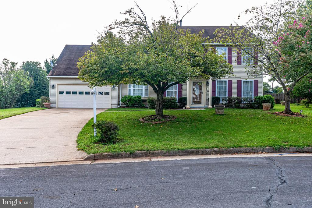 - 3 BLUE JAY CT, STERLING