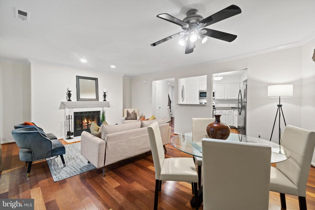 Beautiful open concept living area - 1234 N QUINN ST #1234, ARLINGTON