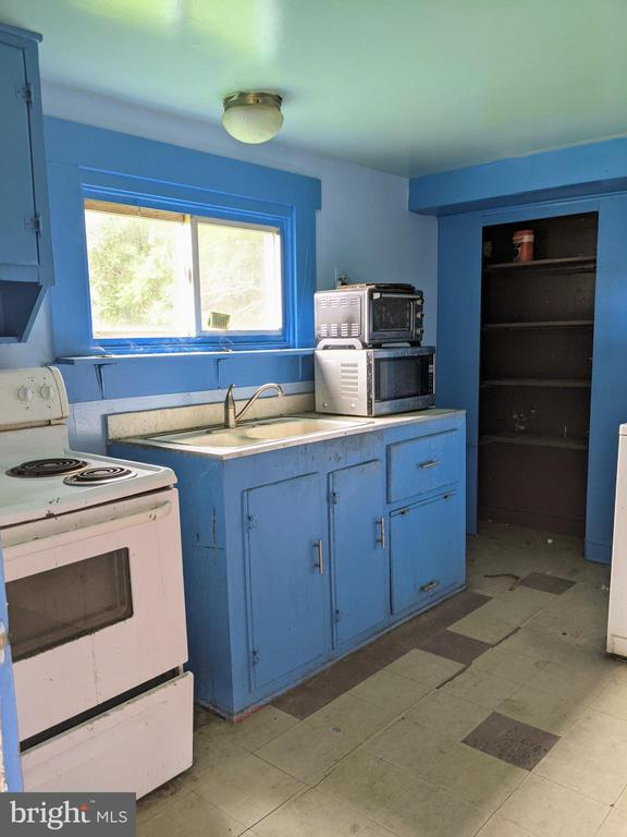 Kitchen - 11291 PINE HILL RD, KING GEORGE
