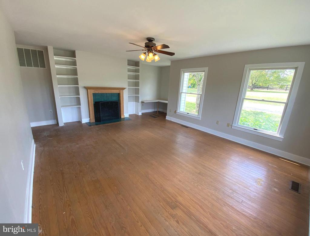Living Room - 14807 CIDER MILL RD, HILLSBORO