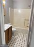 Full bath - 14807 CIDER MILL RD, HILLSBORO