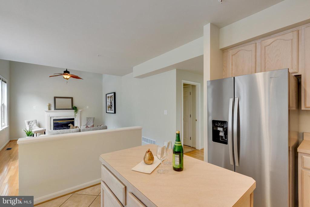 Kitchen Open to Family Room - 7617 STRATFIELD LN, LAUREL