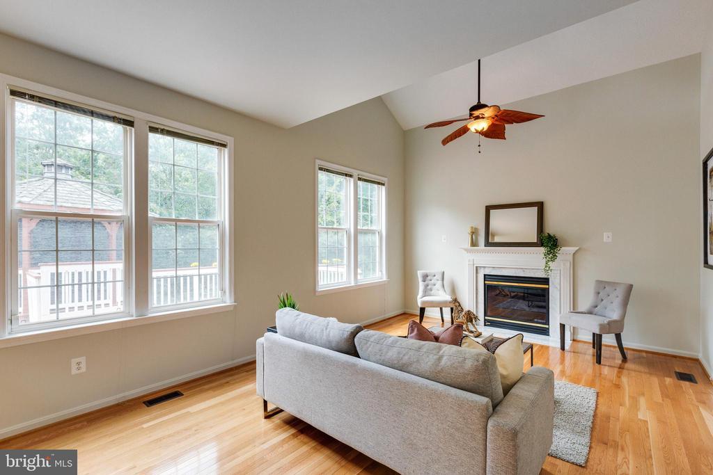Family Room w/Fire Place & Hardwood Floors - 7617 STRATFIELD LN, LAUREL