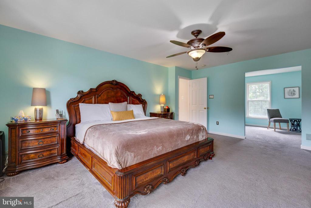 Owners Bedroom & Sitting Area - 7617 STRATFIELD LN, LAUREL