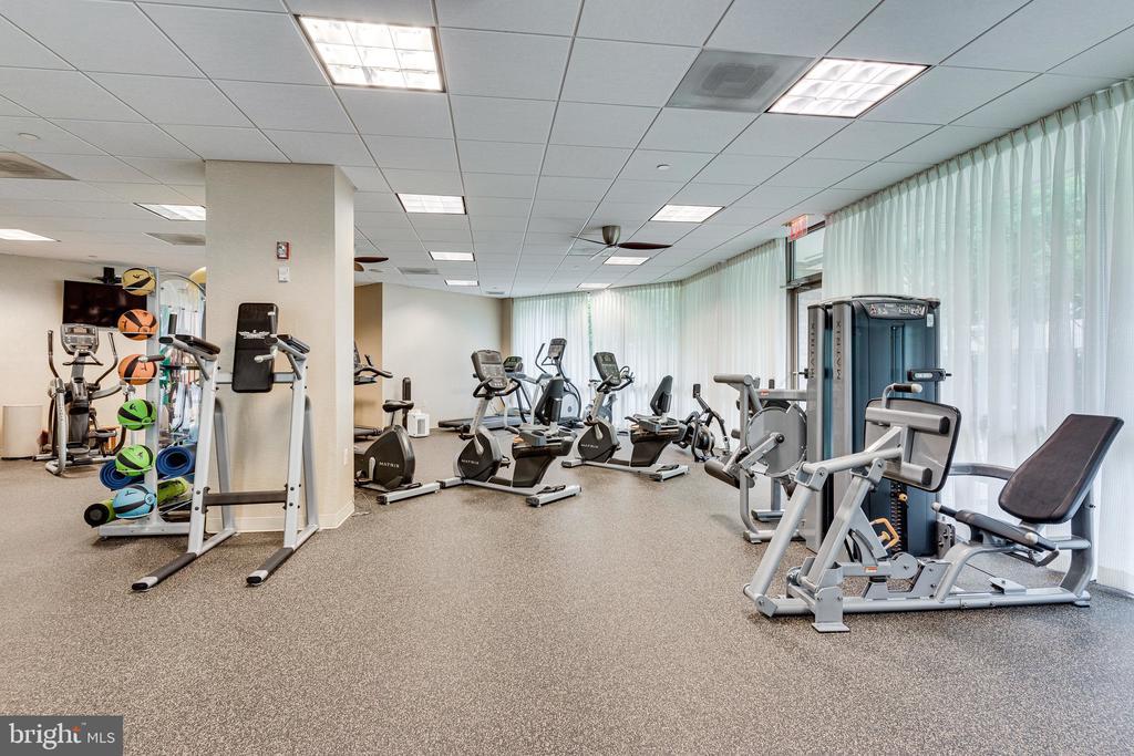 Gym - 901 N MONROE ST #1501, ARLINGTON