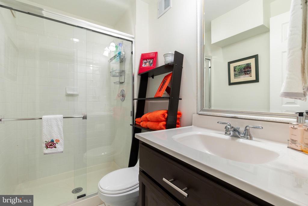 Full Bath on Lower Level! - 7157 LAKE COVE DR, ALEXANDRIA