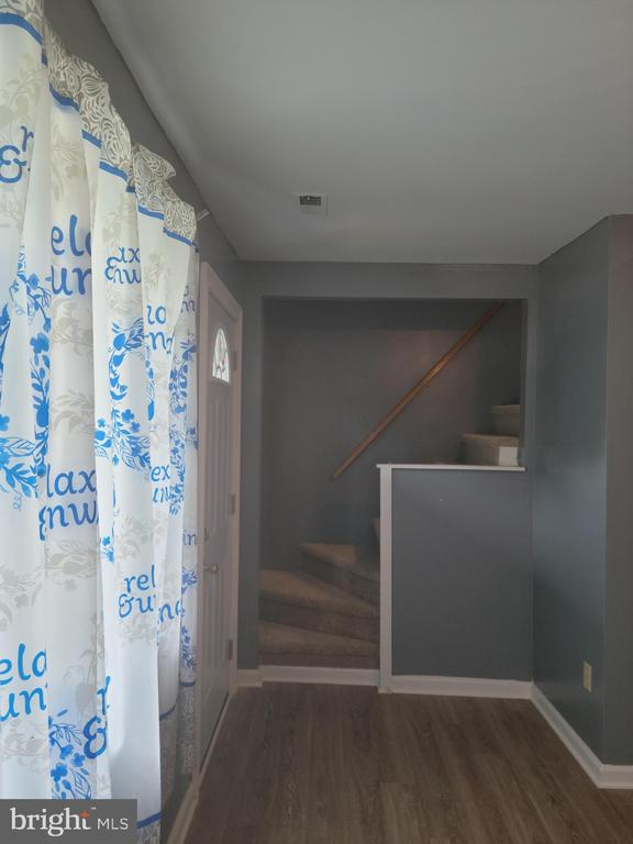 Living Room - 208 MAYFIELD AVE, FREDERICKSBURG