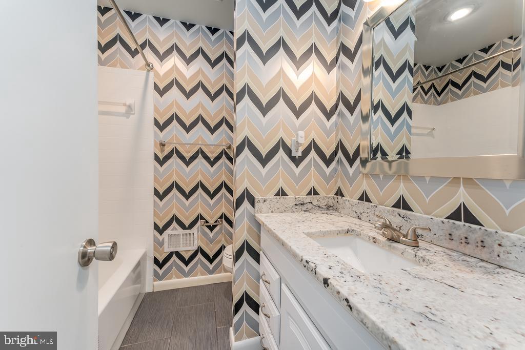 Main Level Full Bath w/Tub/Shower - 107 NINA CV, STAFFORD