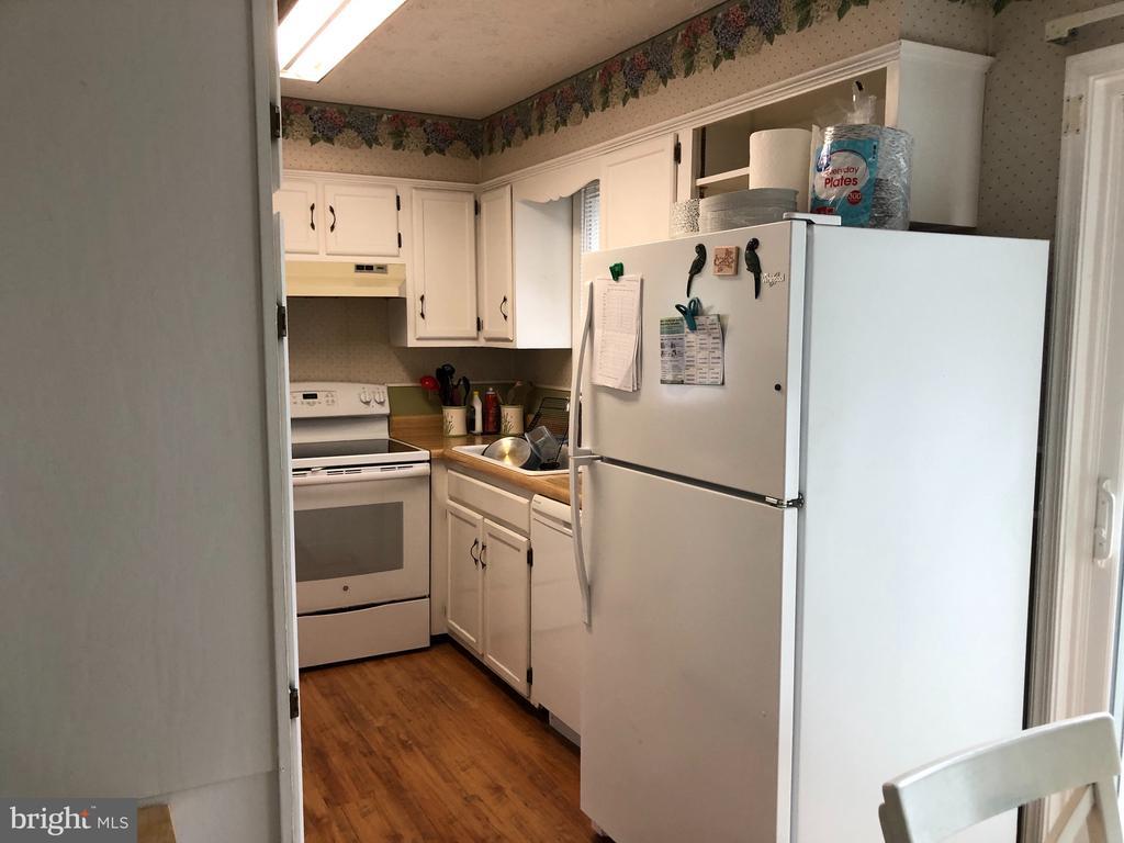 Kitchen - 4 DONALDS LN, MOUNT AIRY