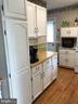 Kitchen lots of cabinets - 4 DONALDS LN, MOUNT AIRY