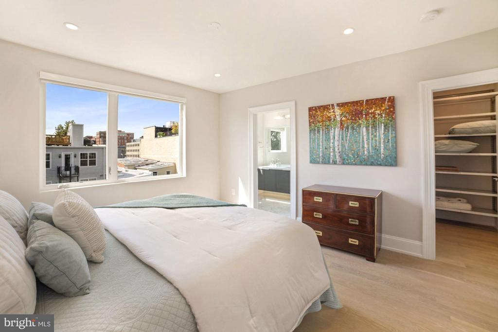 Bedroom #2 with ensuite Bath - 1918 11TH ST NW #B, WASHINGTON