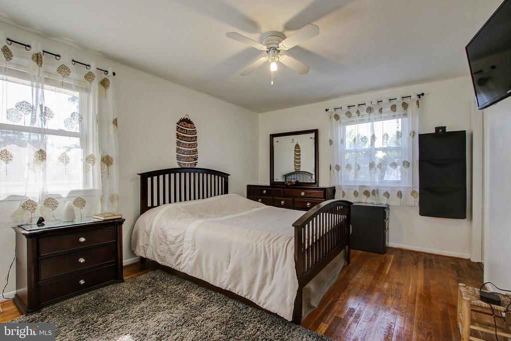 Upper Level/Bedroom1 - 12521 SUMMERWOOD DR, SILVER SPRING