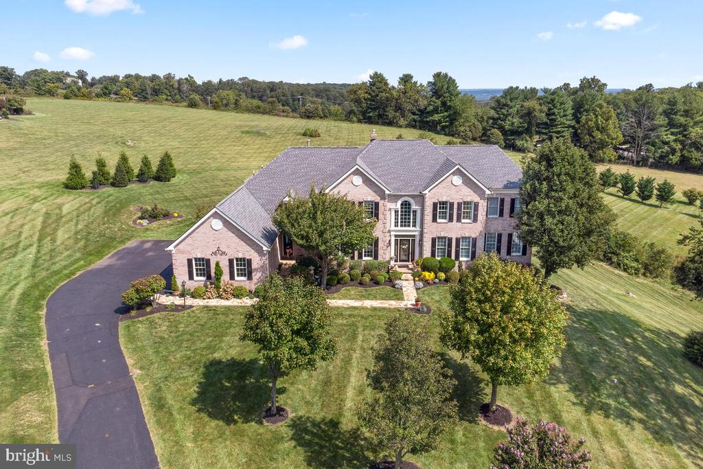 Welcome home! - 17566 TOBERMORY PL, LEESBURG