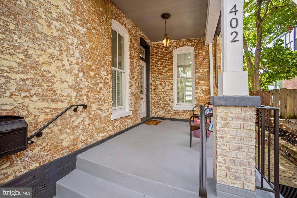 Covered Porch Keeps You Dry - 402 U ST NW, WASHINGTON