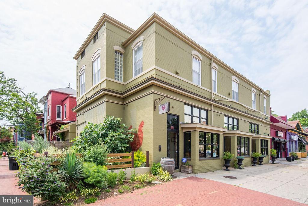 Red Hen Restaurant - 402 U ST NW, WASHINGTON