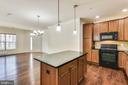 Tons of light, both from inside and out - 23542 HOPEWELL MANOR TER, ASHBURN