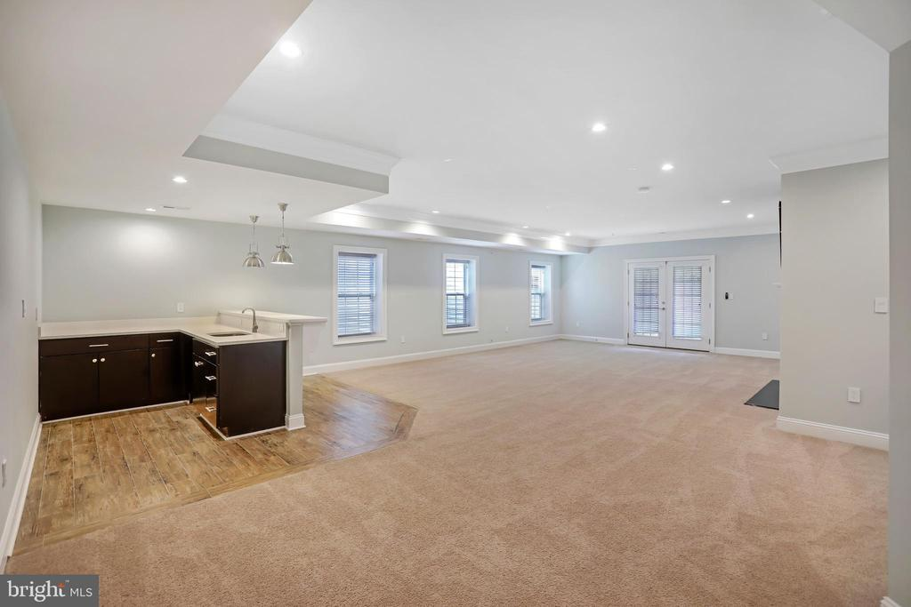 Huge Second Family Room with Wet Bar - 3122 NORTHWOOD RD, FAIRFAX