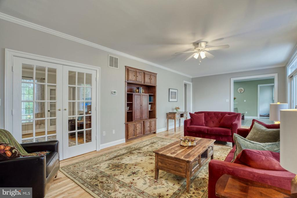 French doors to office - 2020 N ROOSEVELT ST, ARLINGTON