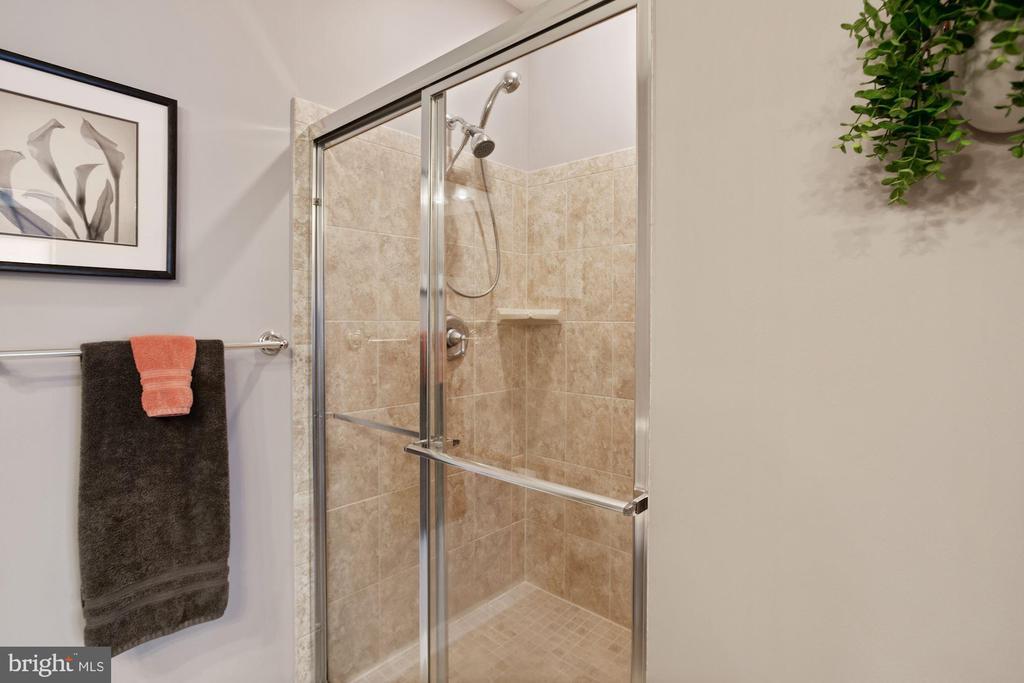 Primary Bathroom - Shower w/ Functional Bench! - 20505 LITTLE CREEK TER #302, ASHBURN