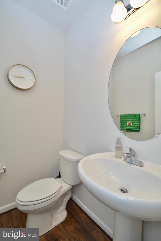 Half bath - Main Lebel - 2713 COCKSPUR LN, DUMFRIES