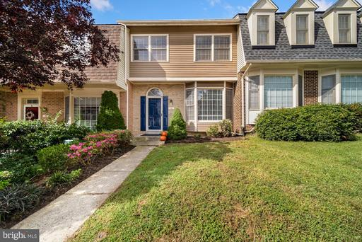 10 HICKORY HILL CT