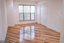 View of master bedroom - 18121 ROYAL BONNET CIR, GAITHERSBURG