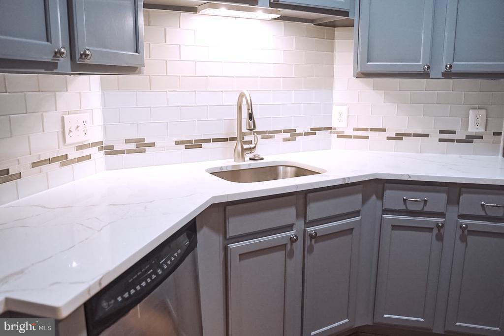 Kitchen - 18121 ROYAL BONNET CIR, GAITHERSBURG