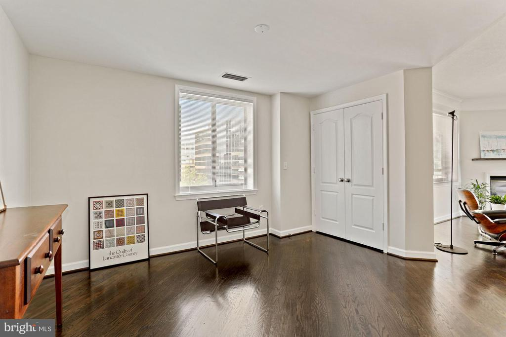 Den. Dining Room or Bedroom #3 - 901 N MONROE ST #601, ARLINGTON
