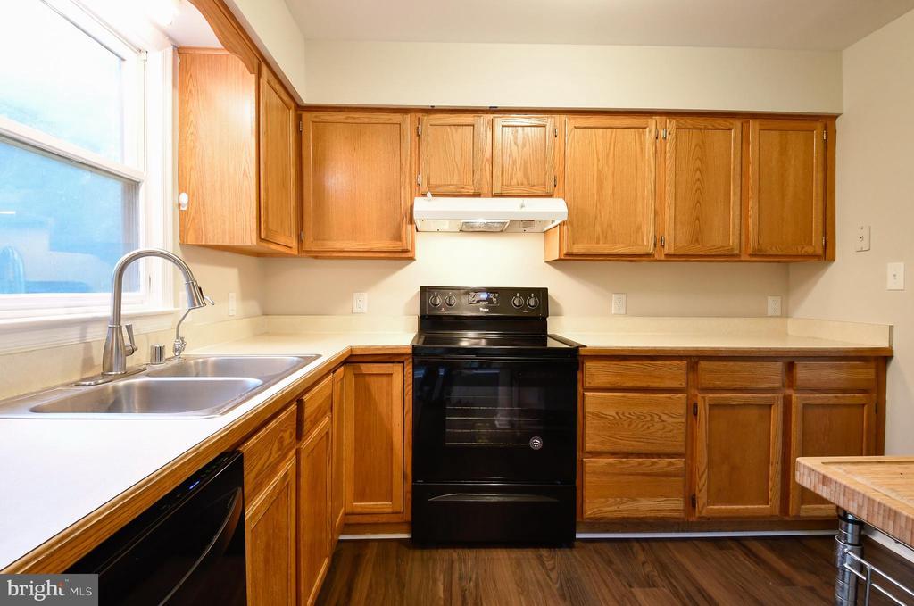Kitchen - 10635 PINEY BRANCH RD, SPOTSYLVANIA