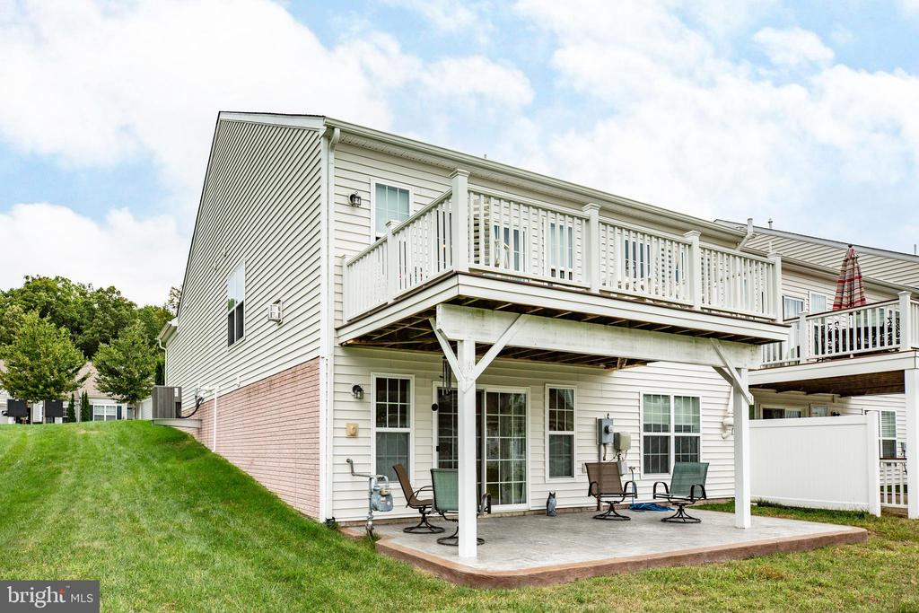 3BR/3BA & over 3,000 sq ft in this villa! - 238 LONG POINT DR, FREDERICKSBURG