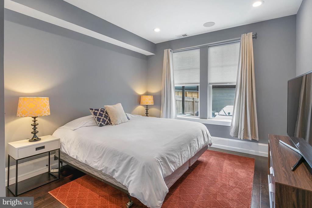 First Floor Bedroom with Window - 1609 LEVIS ST NE, WASHINGTON