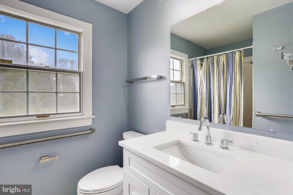 First Floor Full Bath - 6600 HOLLINGSWORTH TER, ROCKVILLE