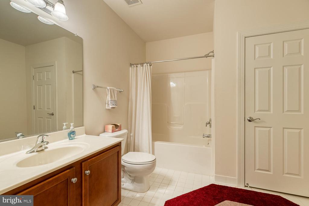 Huge full bath on the lower level - 8635 LAROQUE RUN DR, FREDERICKSBURG