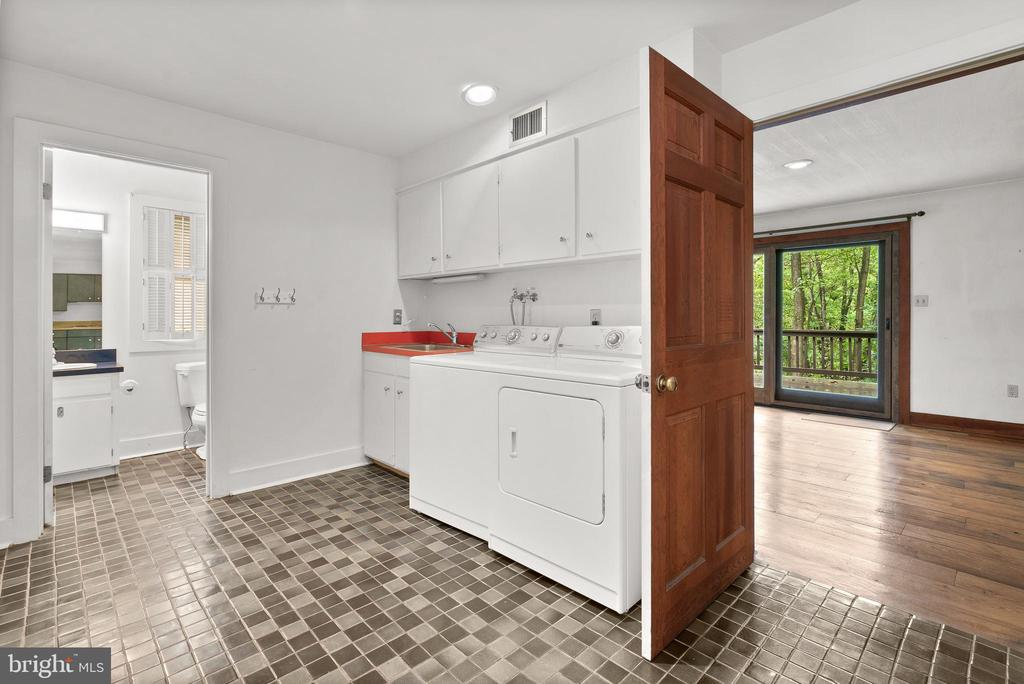 Laundry Room - 7335 DANCE HALL RD, FREDERICK